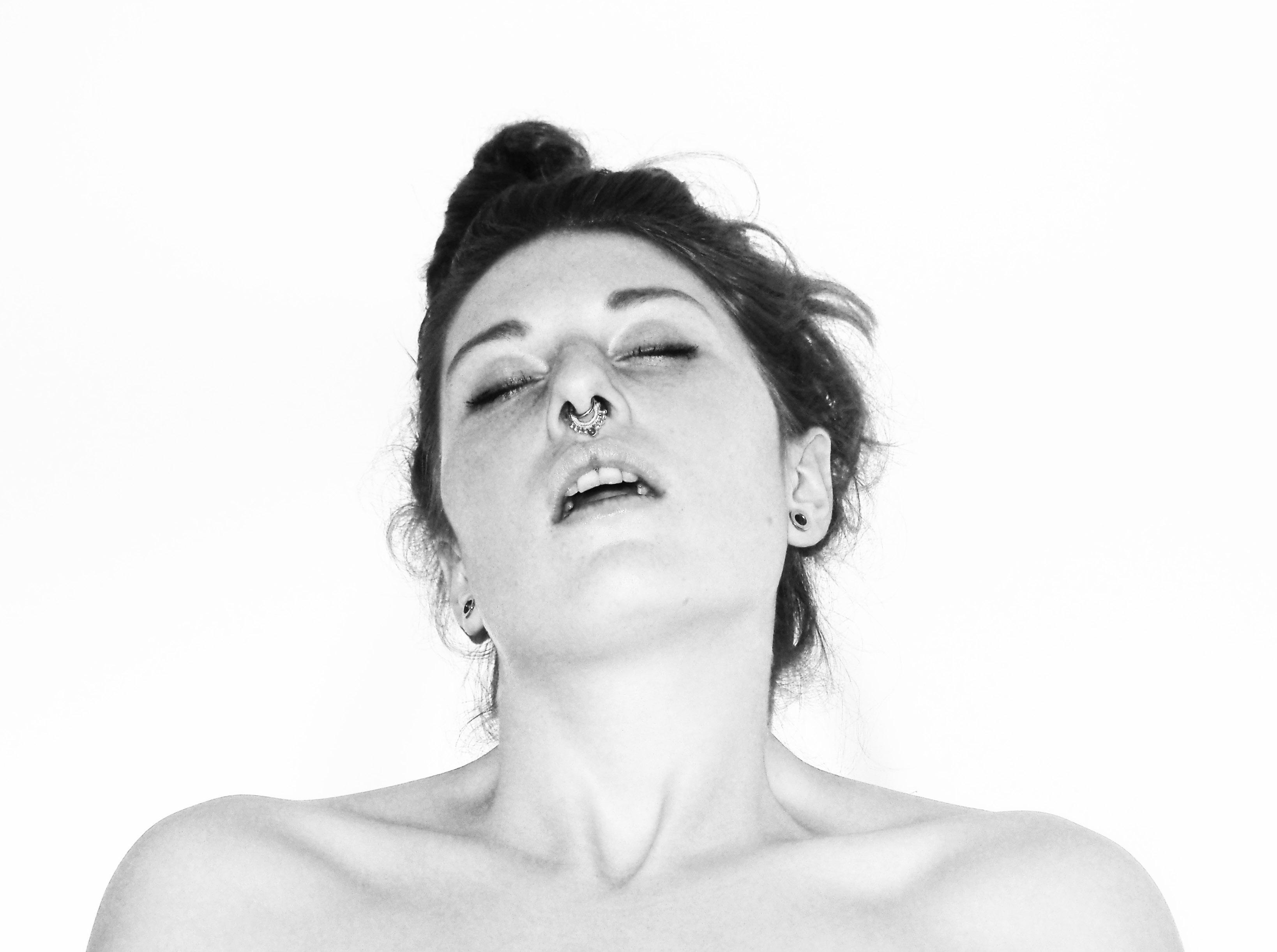 Смотреть онлайн женский оргазм жесткий, Порно видео оргазм подборка смотреть онлайн бесплатно 13 фотография